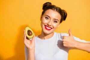 Avocados gehören zu den gesunden Alltagslebensmitteln.